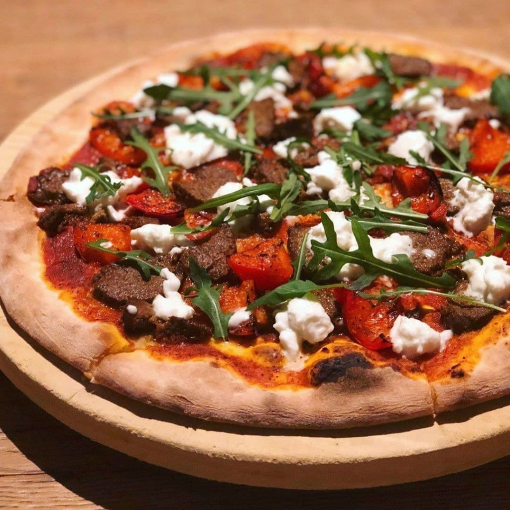 Wood-fired pizza Ricciotti