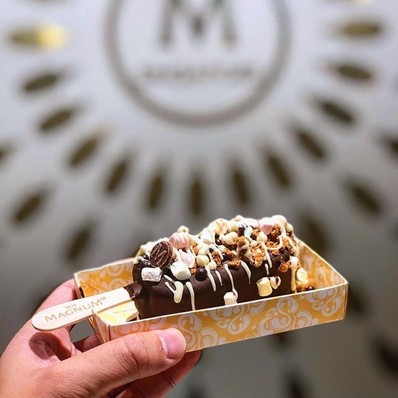 Chocolate cafes - Magnum pleasure store