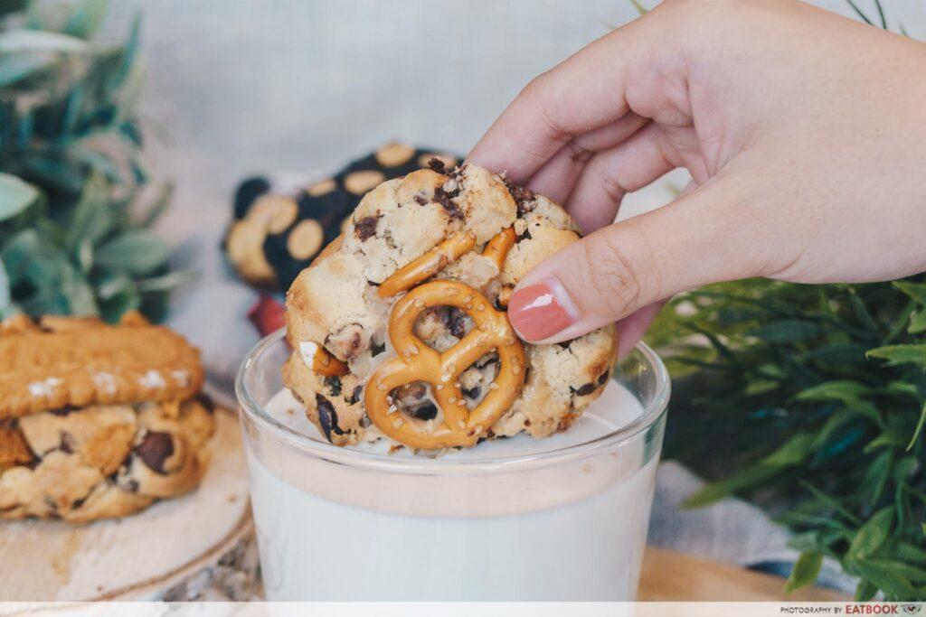 pretzel cookie