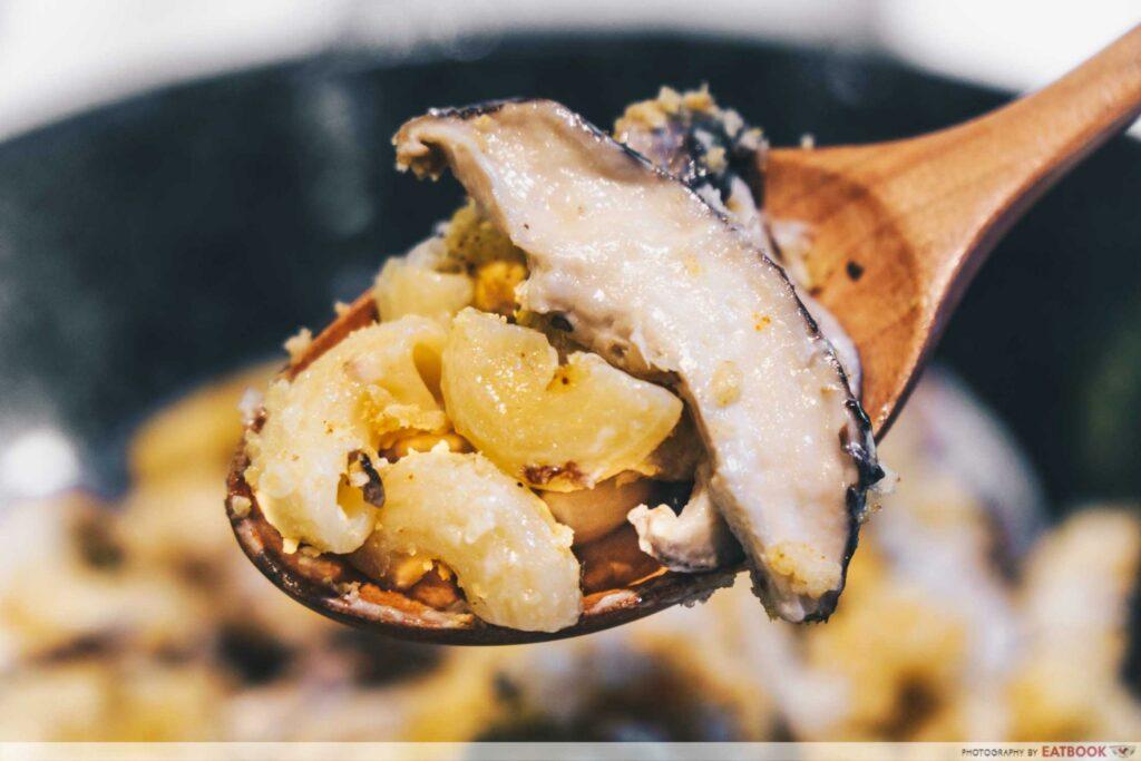 mushroom mac and cheese
