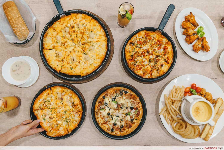 Pizza Hut - Flatlay