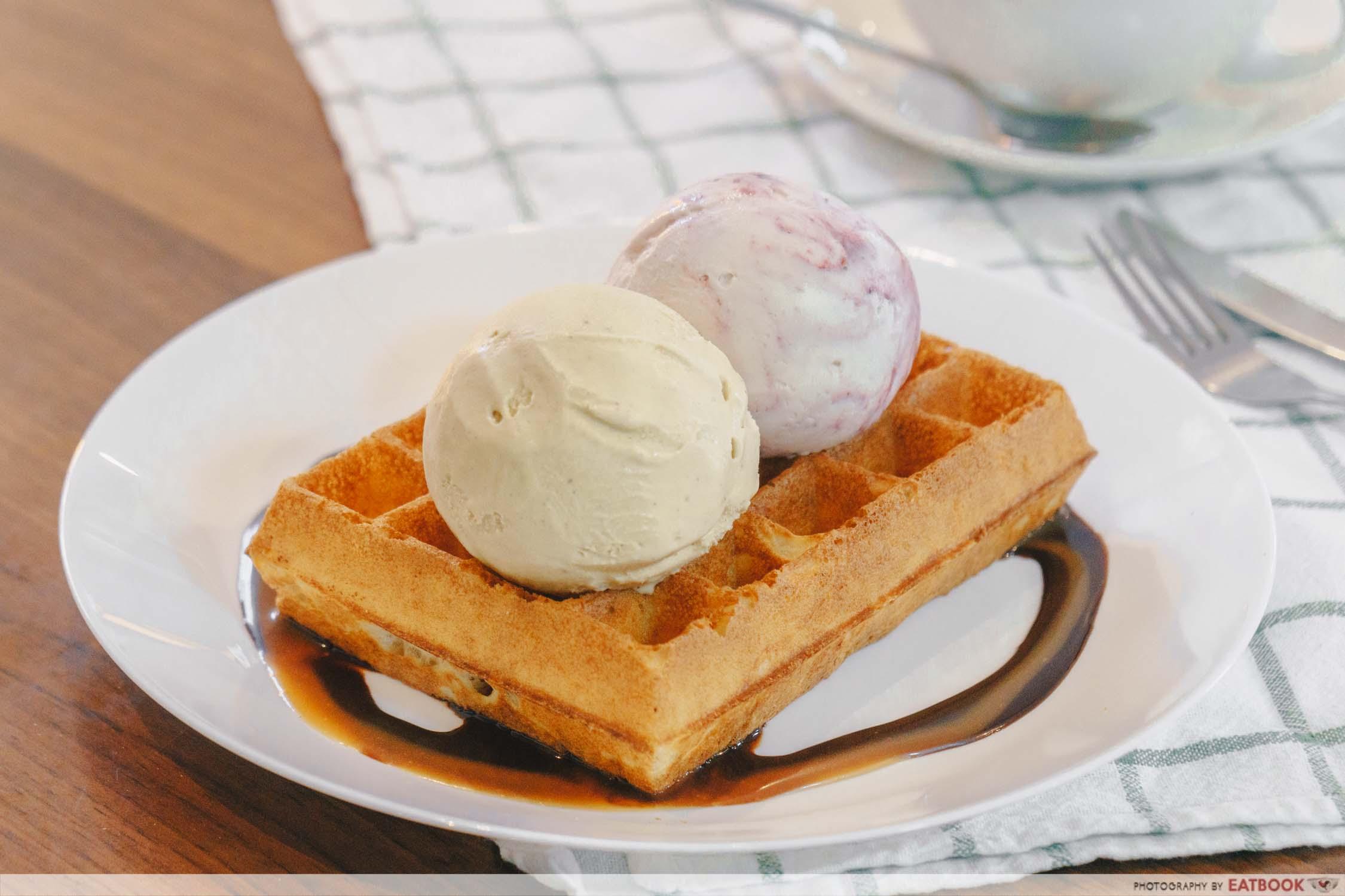 Denzy Gelato - Ice-cream and waffles