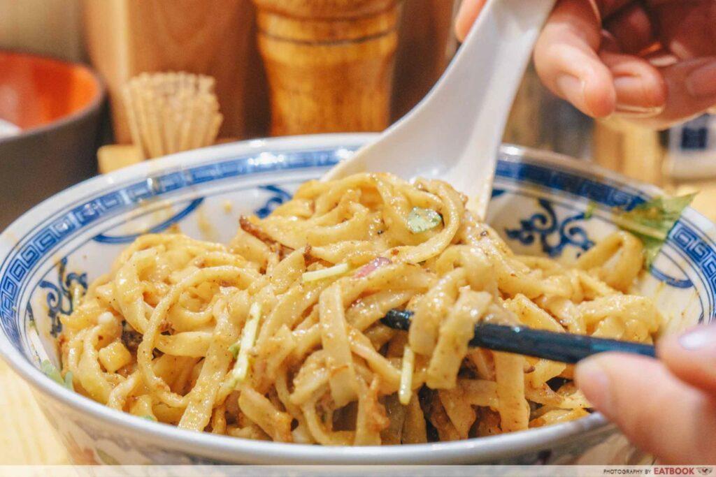 Enishi Dan Dan Noodles mixing