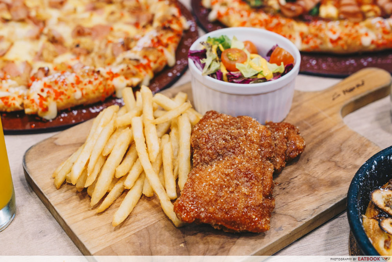 Pizza Hut - Buffalo-ho-ho Chicken Cutlet