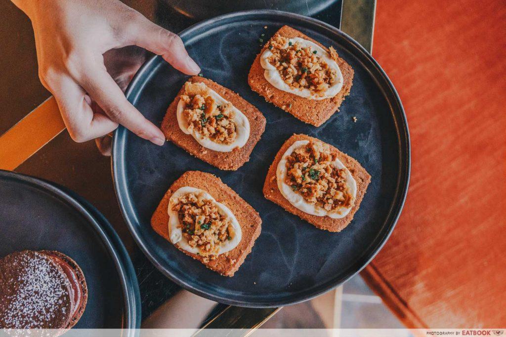 Best Restaurants in singapore Jam-At-SIRI-House-Chicken-Snack-1024x683