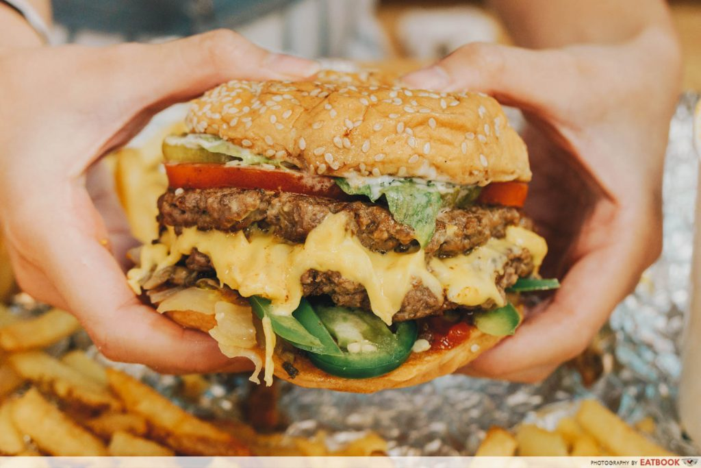 Five Guys Singapore Cheeseburger)
