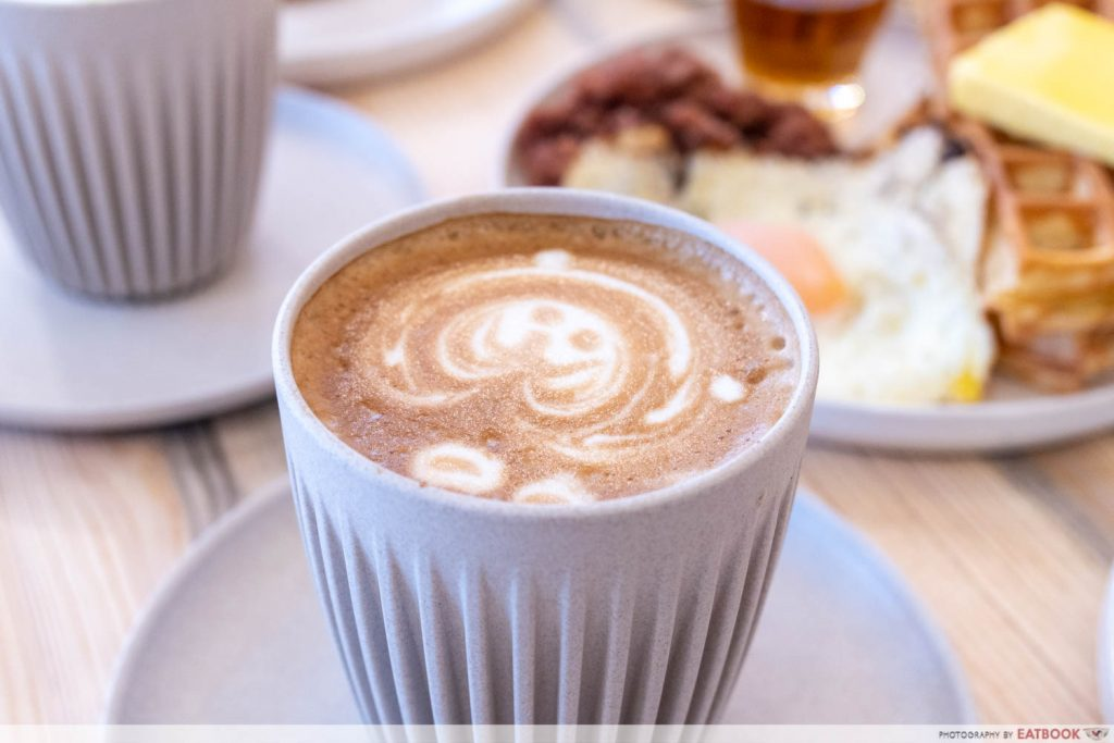 Komma Social Cafe Latte