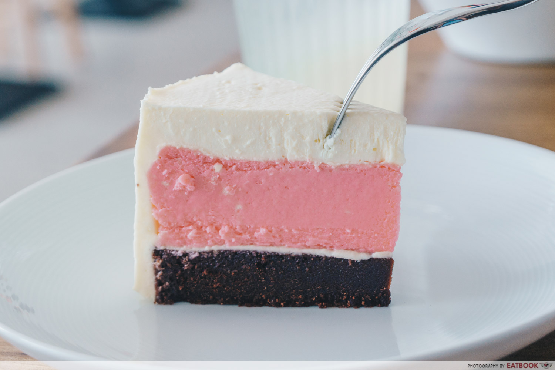 Kong Cafe - Neapolitan Cake