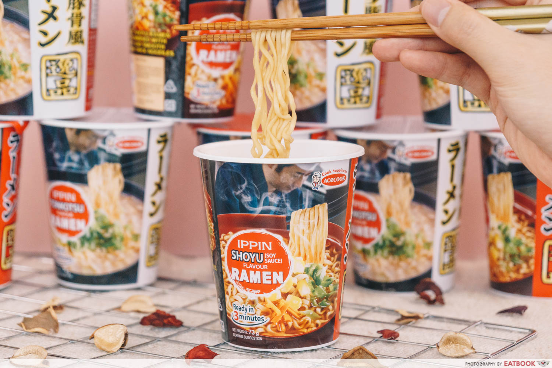 Ippin Ramen Shoyui Noodle Pull