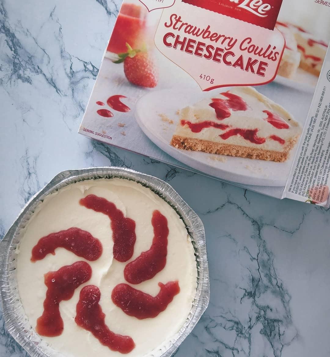 Sara Lee Salted Caramel - Strawberry Cheesecake