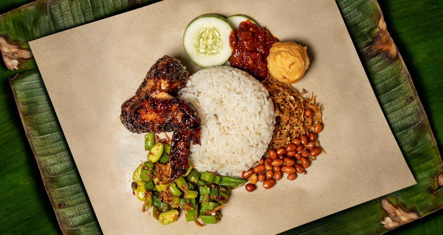 19 Nasi Lemak In Singapore With Good Sambal Crispy Fried Chicken And Coconutty Rice Eatbook Sg New Singapore Restaurant And Street Food Ideas Recommendations
