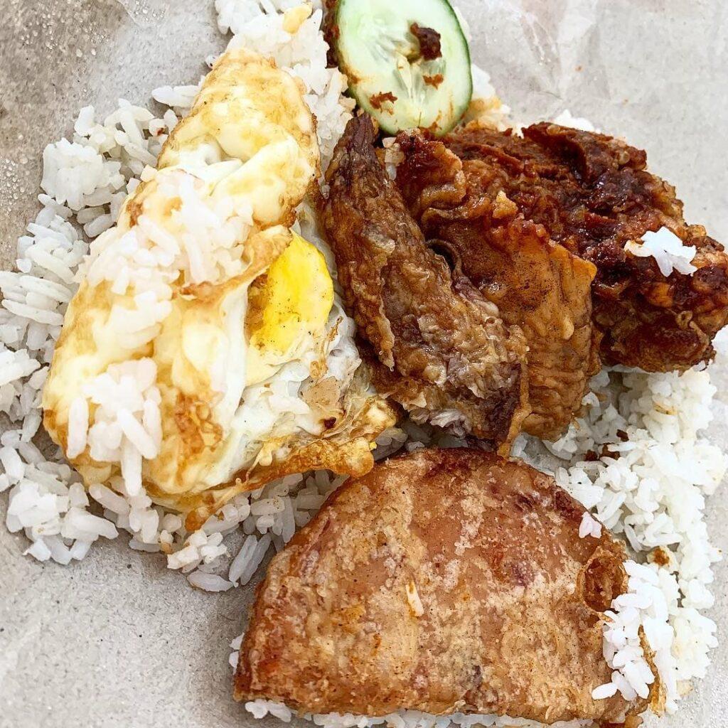 Boon Lay Power Nasi Lemak Vending Machine - nasi lemak