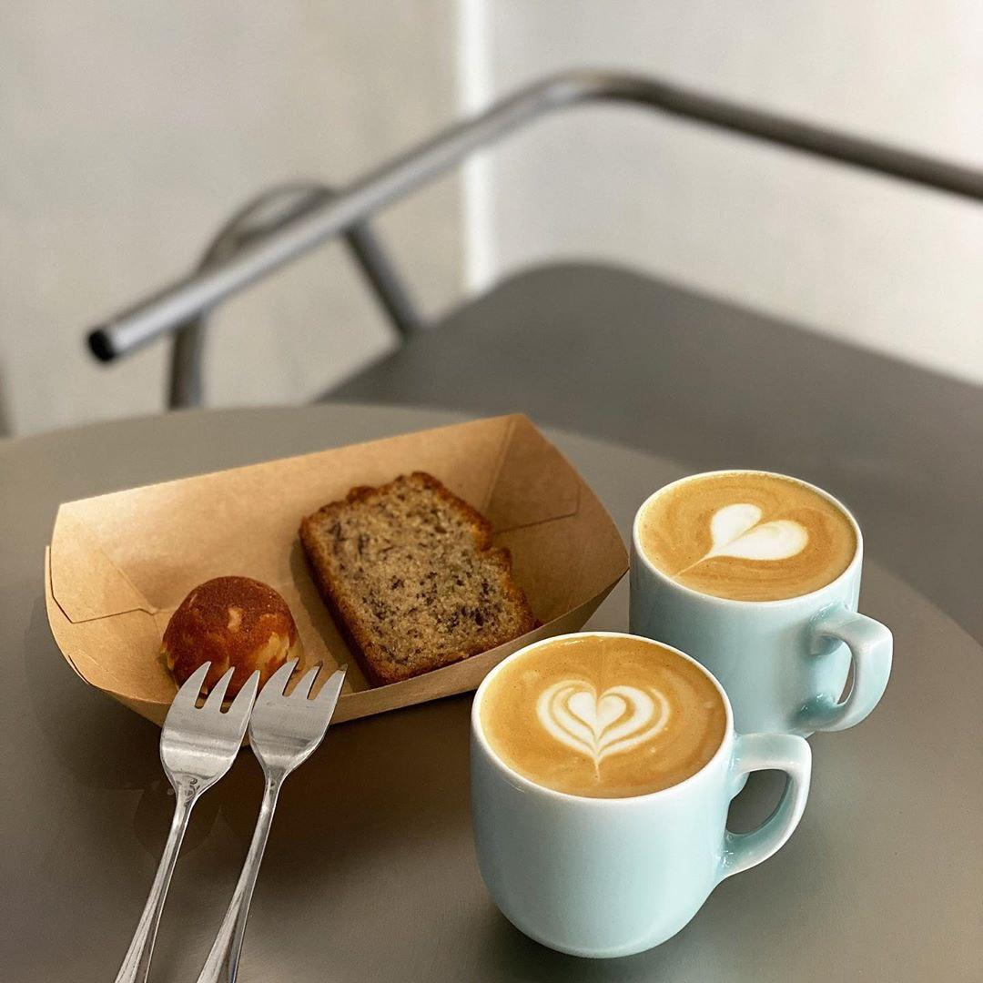 Lucid New Minimalist Cafe Serving Artisanal Coffee And Aesthetic Bakes At Lavender Eatbook Sg New Singapore Restaurant And Street Food Ideas Recommendations
