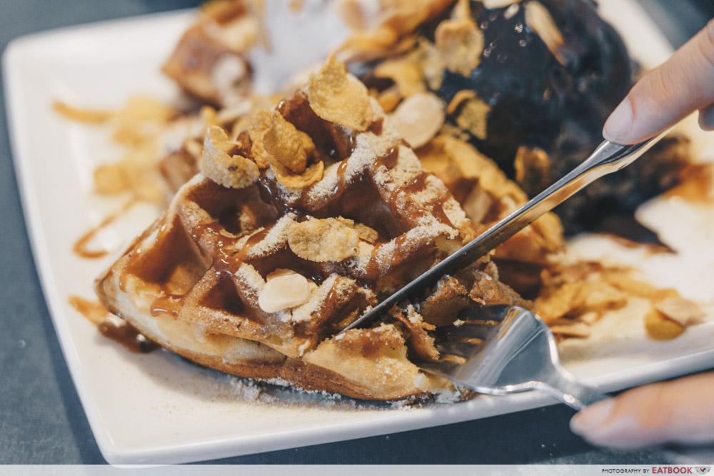 Three's A Crowd - Horlicks Waffle Interaction
