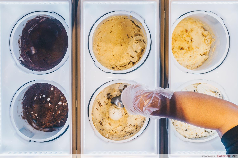 Carmen's Best - Ice Cream Scoop Background
