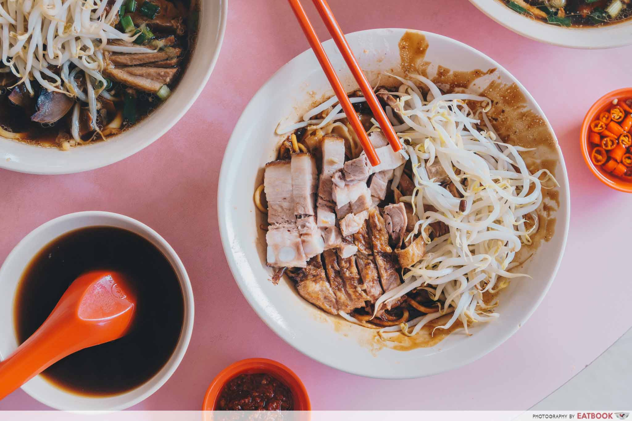 Heng Huat - Duck drumstick noodles with roasted pork
