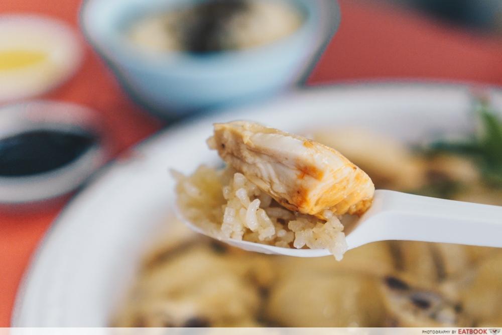 Heng Ji Chicken Rice - Chicken on rice