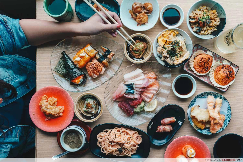 mitsuba sushi flatlay