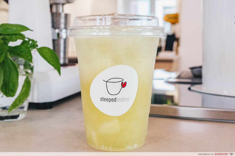 STEEPED Tea Bar - Pear High Mountain oolong intro shot