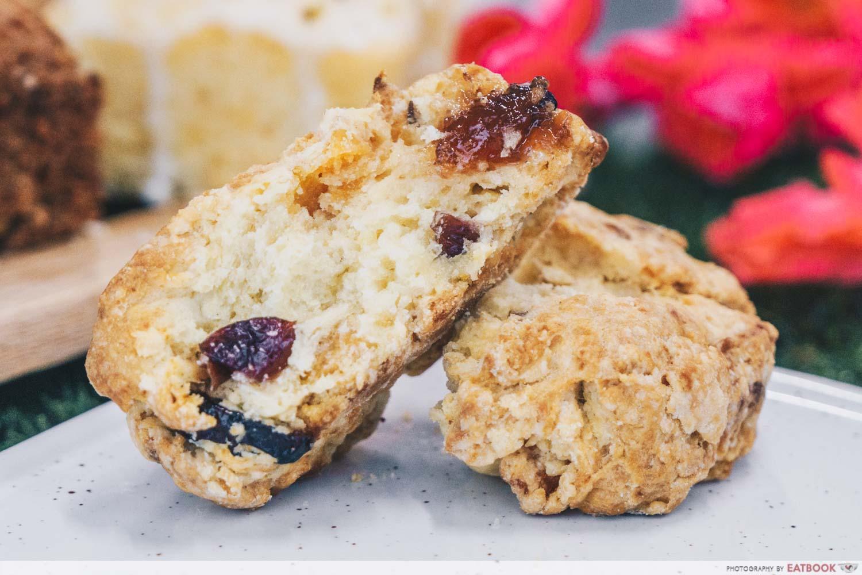 the headless baker - scones