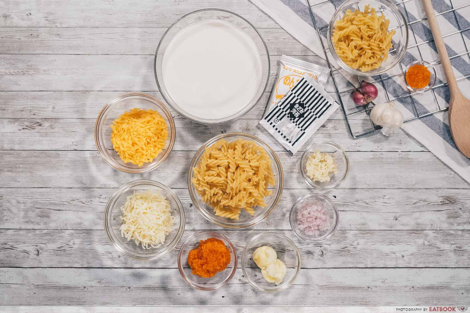 rice cooker mentaiko mac and cheese - flatlay