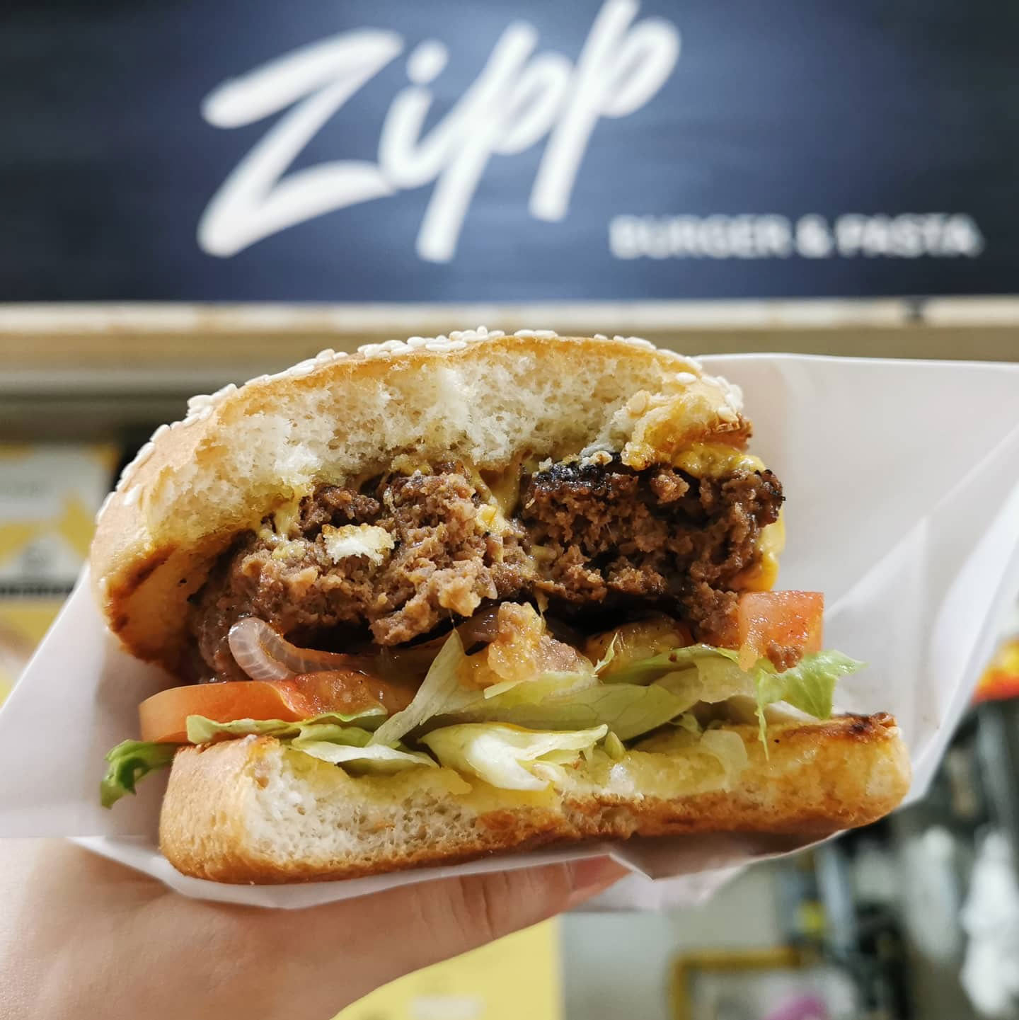 Hawker burger delivery - zipp