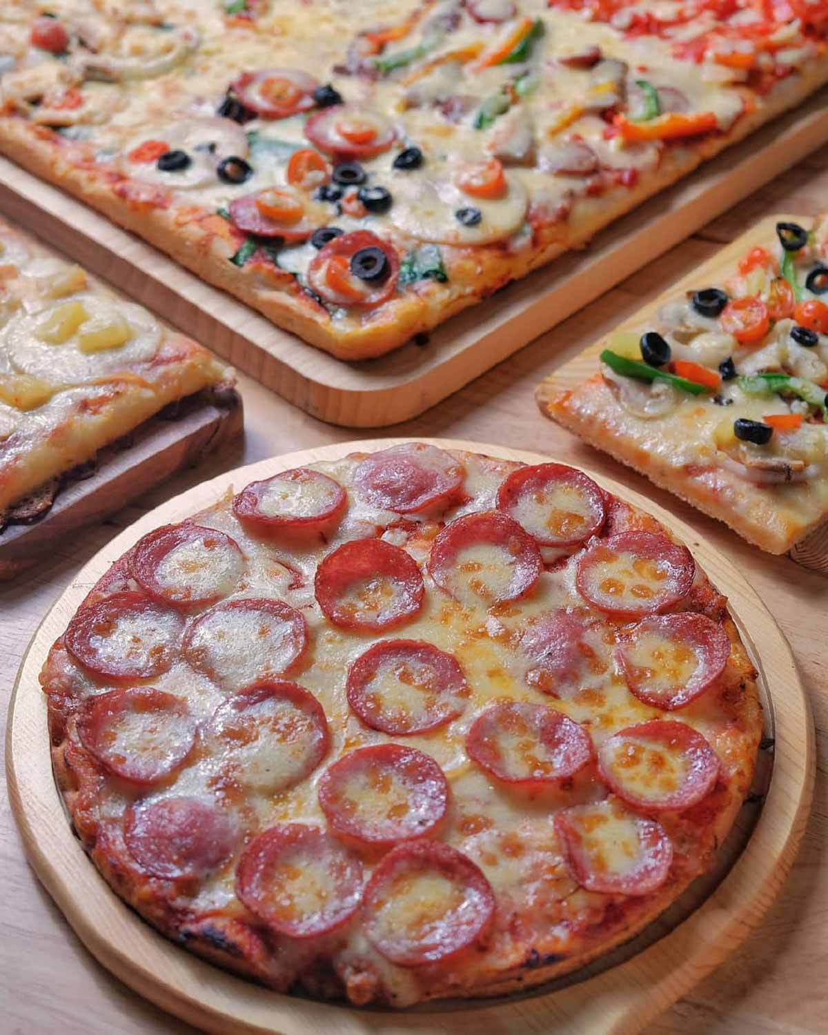 Kallang Wave Mall - Gourmet Pizza To Go