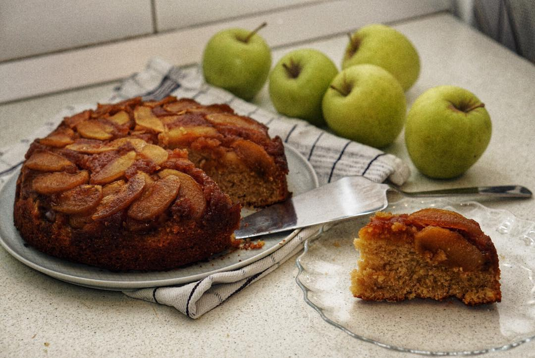 No Bake Cake Recipes - Upside Down Apple Cake Slice