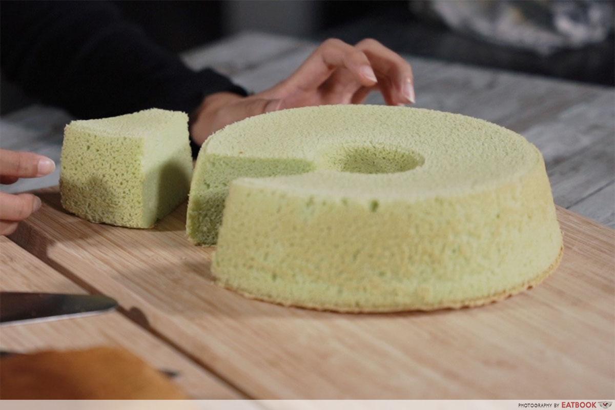 Recipes Famous Dishes - Pandan Chiffon Cake