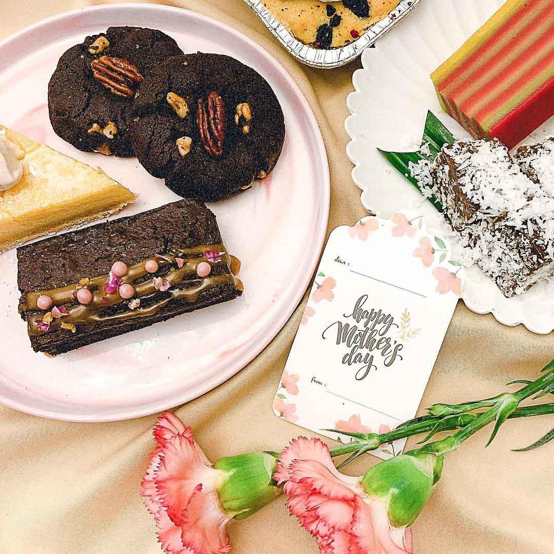 Dessert box delivery - Bites & Crumbs