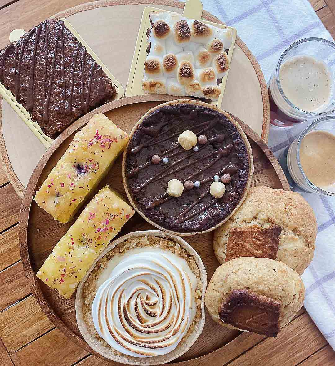 Dessert box delivery - Stackies.co