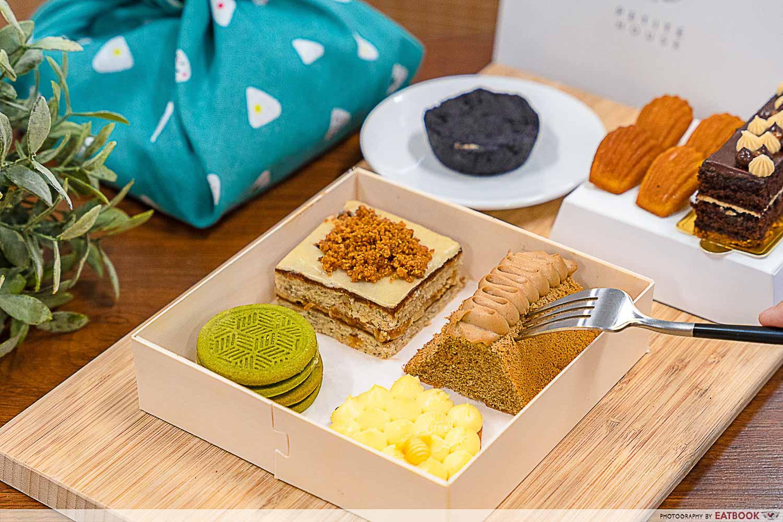 Dessert box delivery - petite house