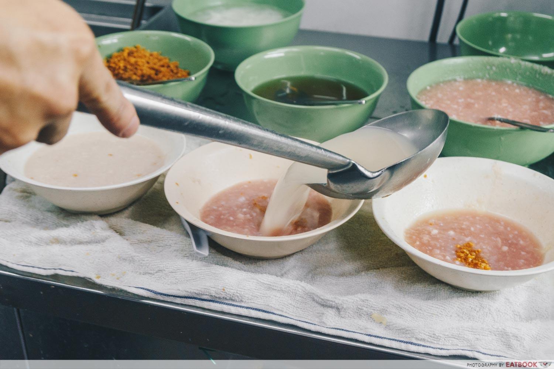 Soon Heng Pork Noodles - Broth preparation