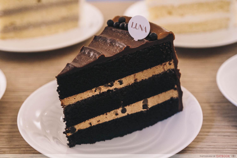 Dark chocolate speculoos cake