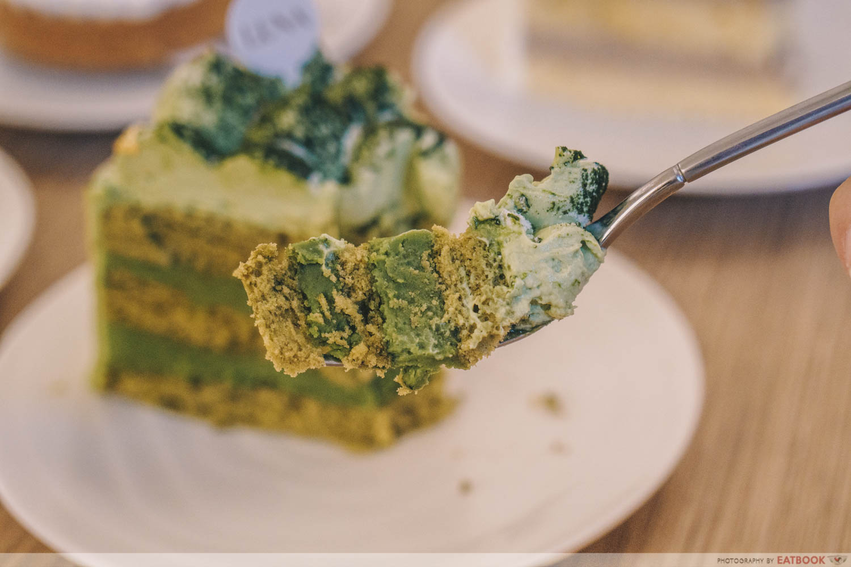 Matcha white chocolate cake slice
