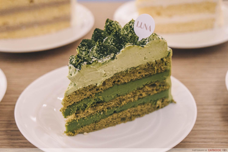 Matcha white chocolate cake