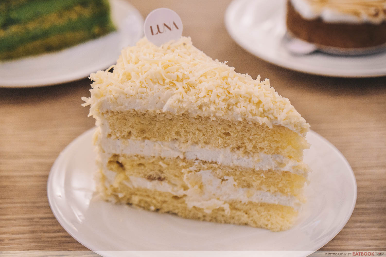 Vanilla cheddar cheese cake
