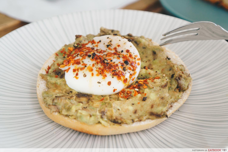 Avocado Egg Half Bagel