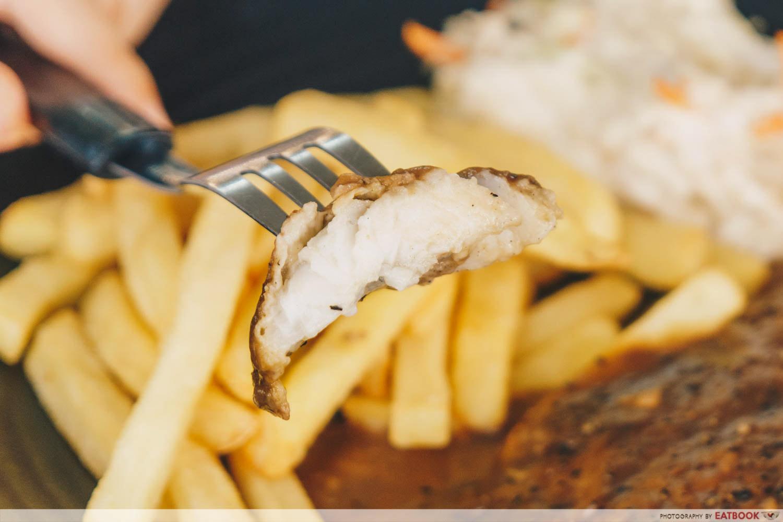 Chicken Box - black pepper fish meat