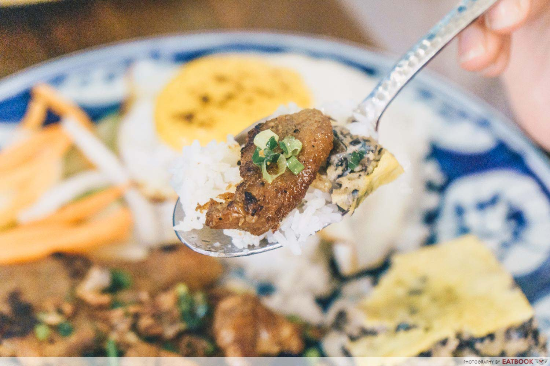 Co Chung - broken rice spoon of rice