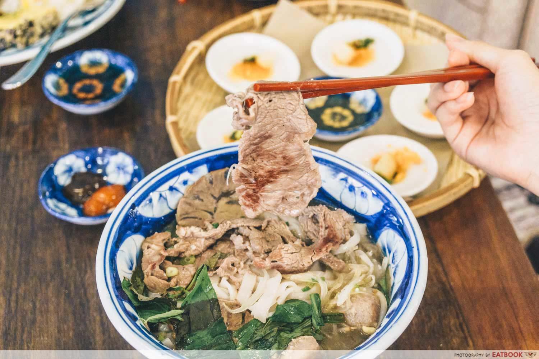Co Chung - pho bo beef slice