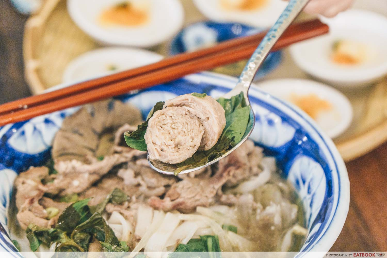 Co Chung - pho bo meatball