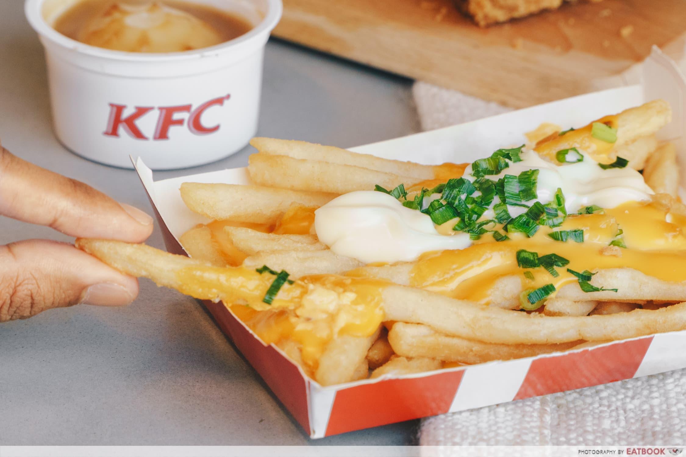 KFC Flossy Crunch Chicken - cheese fries