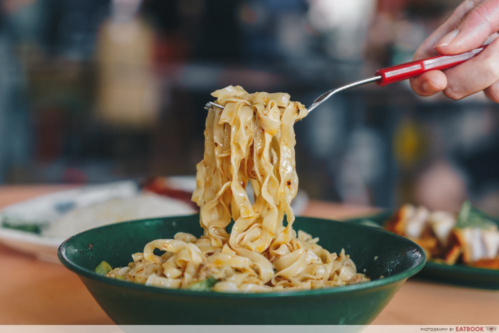 Springy noodles texture