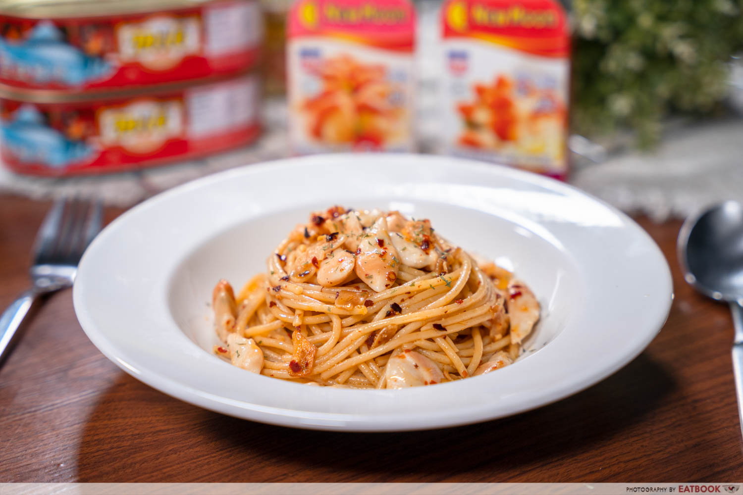 Canned food recipes - aglio olio with clams