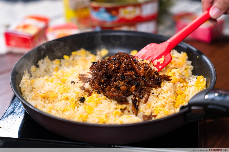 fried rice using fried dace