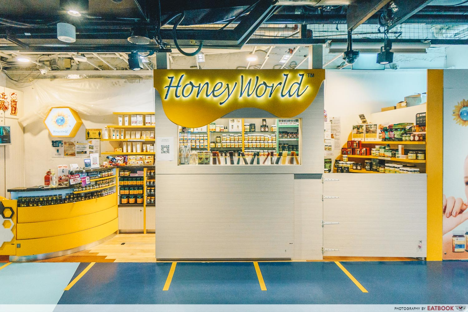 One Raffles Place Honeyworld Store