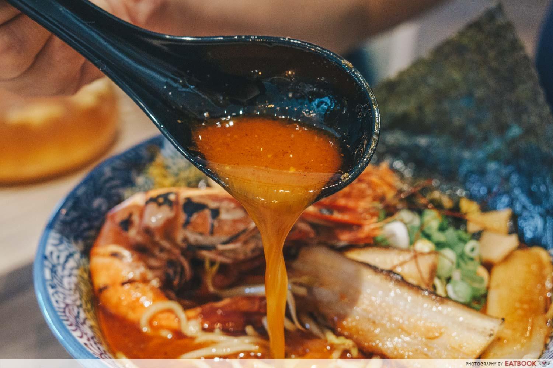 Menya Kanae - Tokusei Sapporo Ebi Tonkotsu Ramen soup