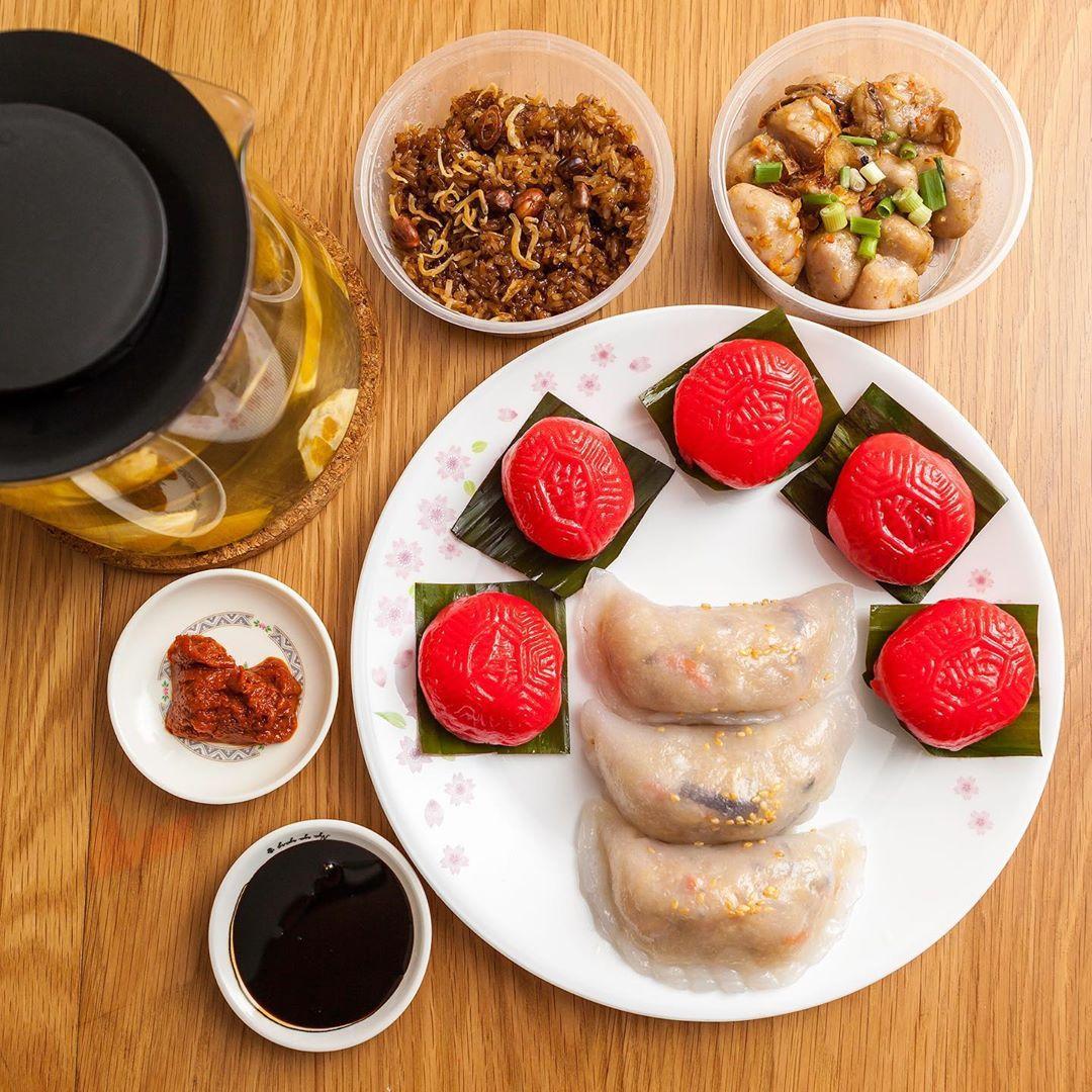 Poh Cheu Soon Kueh And Ang Ku Kueh
