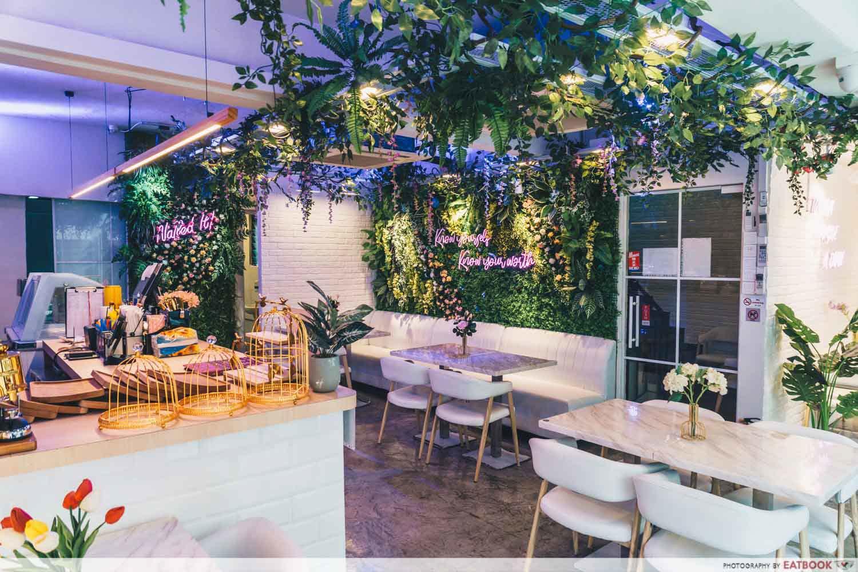 Wan Wan Thai Cafe - ambience